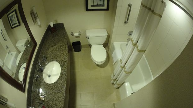 marriott burbank bathroom